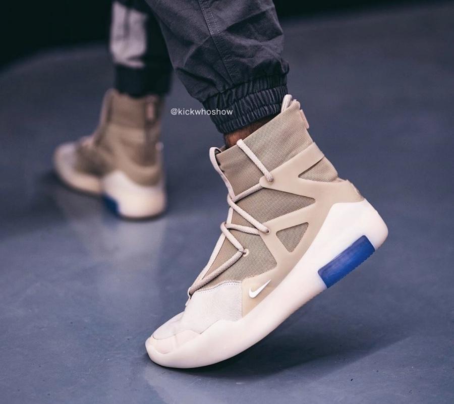 f:id:sneakerscaffetokyo:20191118103256j:plain