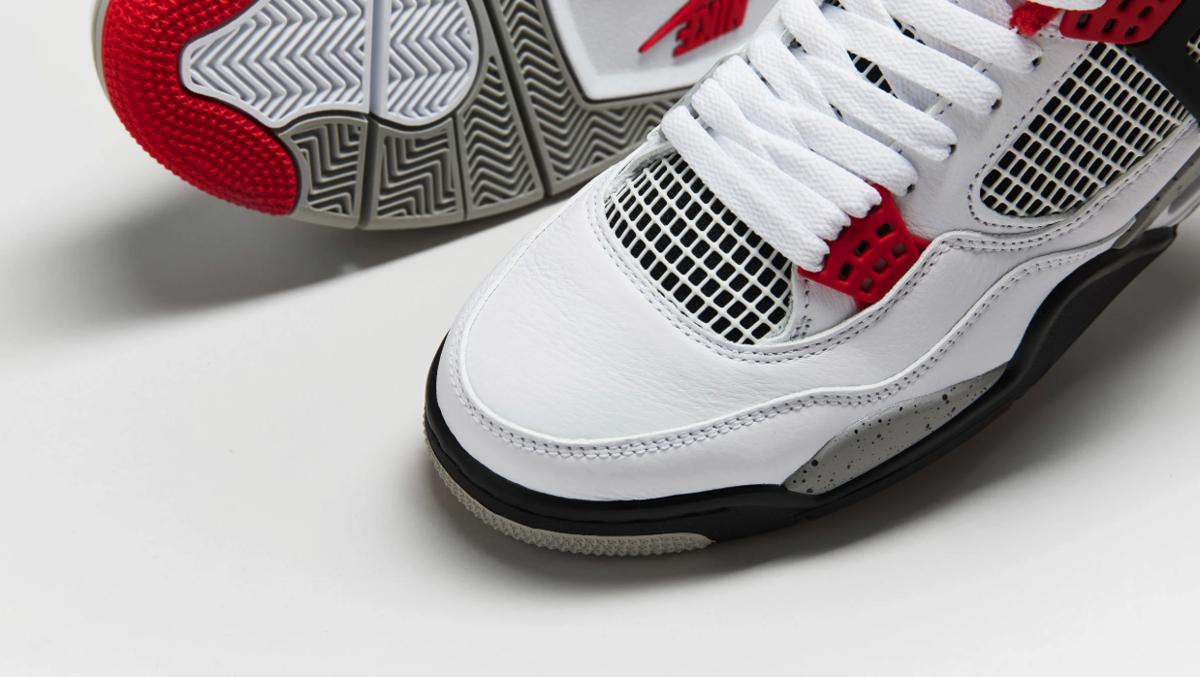 f:id:sneakerscaffetokyo:20191119184157p:plain