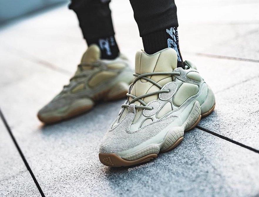 f:id:sneakerscaffetokyo:20191120182225j:plain