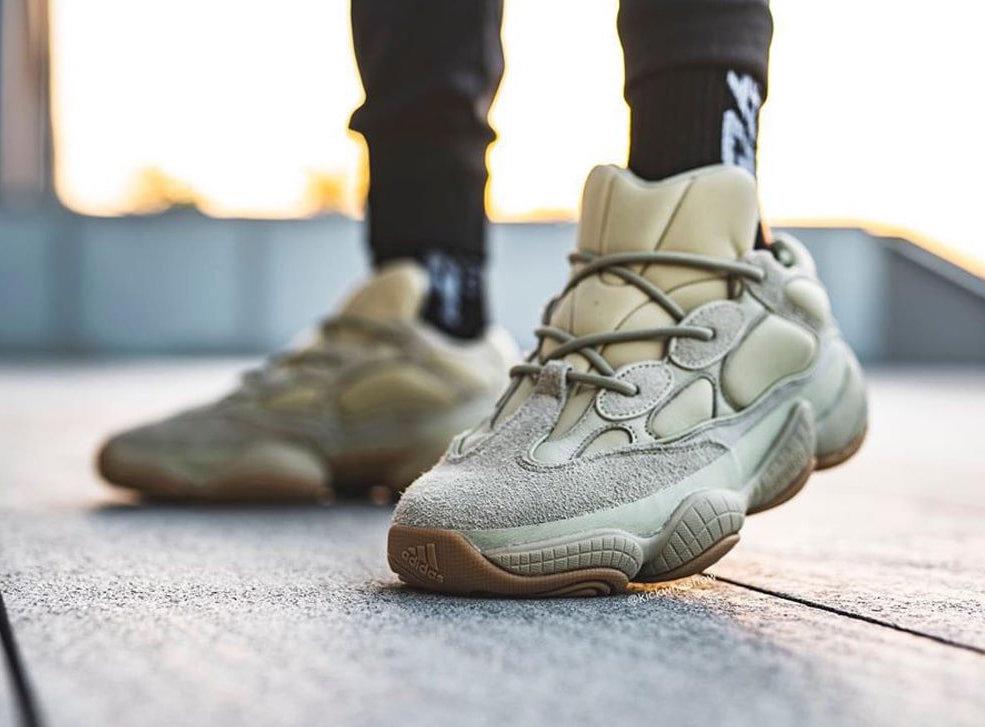 f:id:sneakerscaffetokyo:20191120182311j:plain