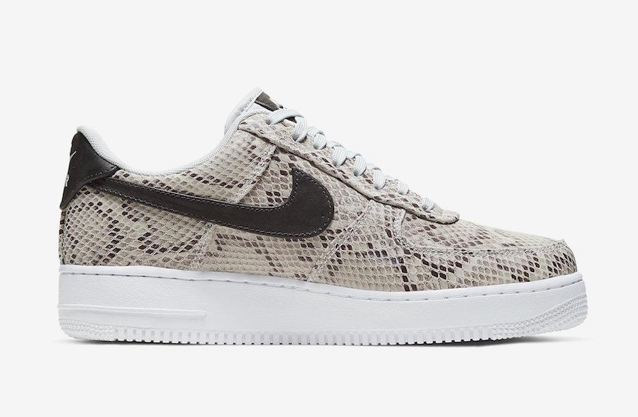 f:id:sneakerscaffetokyo:20191126183518j:plain