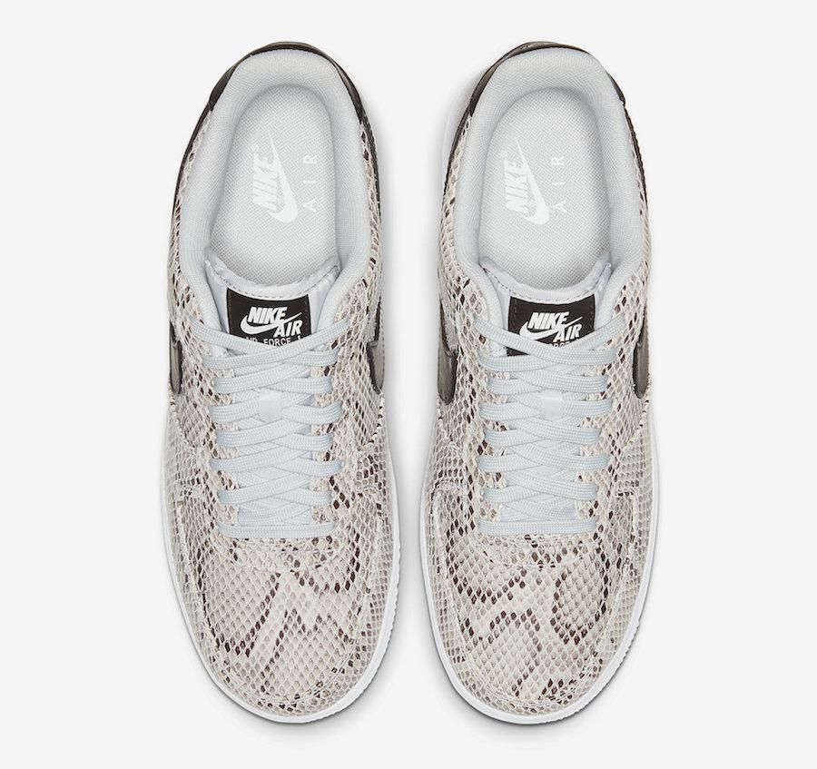 f:id:sneakerscaffetokyo:20191126183539j:plain