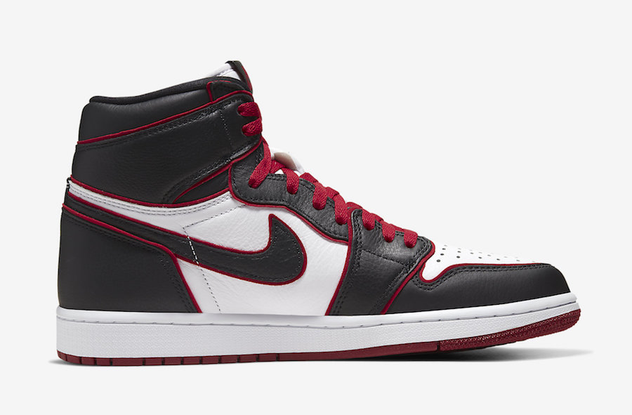 NIKE AIR JORDAN 1 HIGH OG BLOODLINE BLACK RED 555088-062
