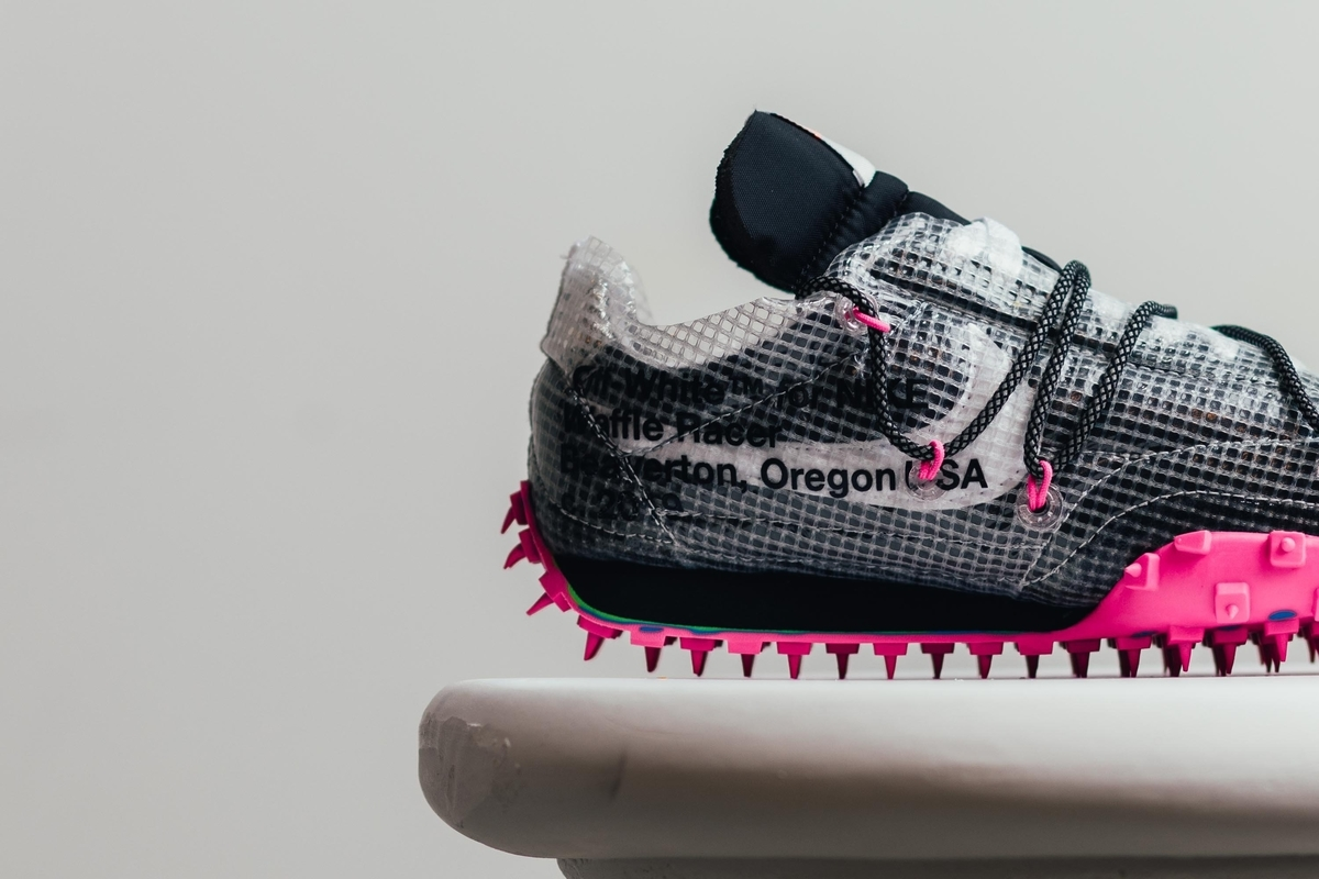 OFF-WHITE x NIKE WMNS WAFFLE RACER BLACK ATHLETE IN PROGRESS CD8180-001