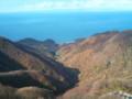 [twitter] 弥彦山の展望台。うっすらと佐渡島。
