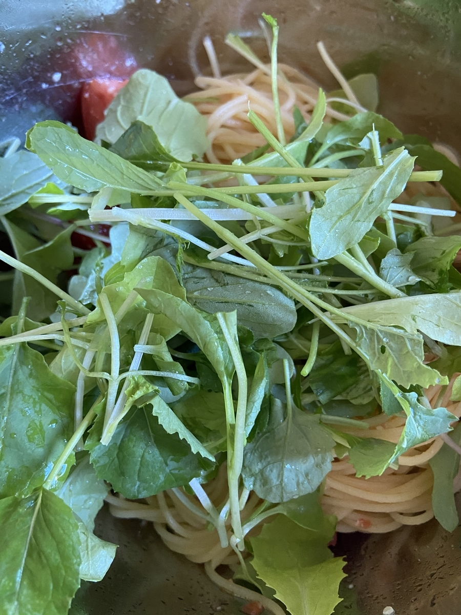 北海道の家庭菜園 ルッコラ トマト パスタ