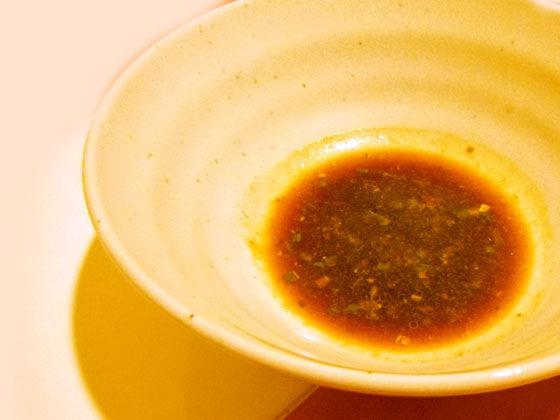 粉末スープを溶かしたどんぶり