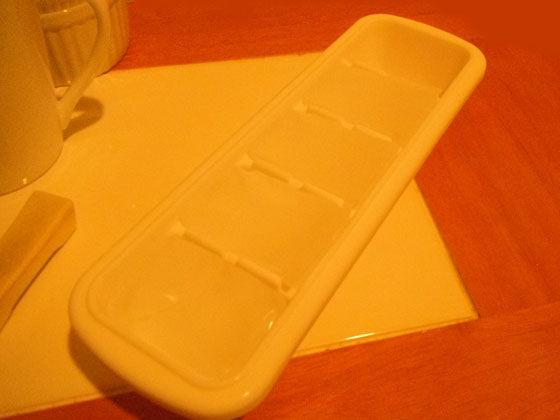 ダイソーの製氷皿