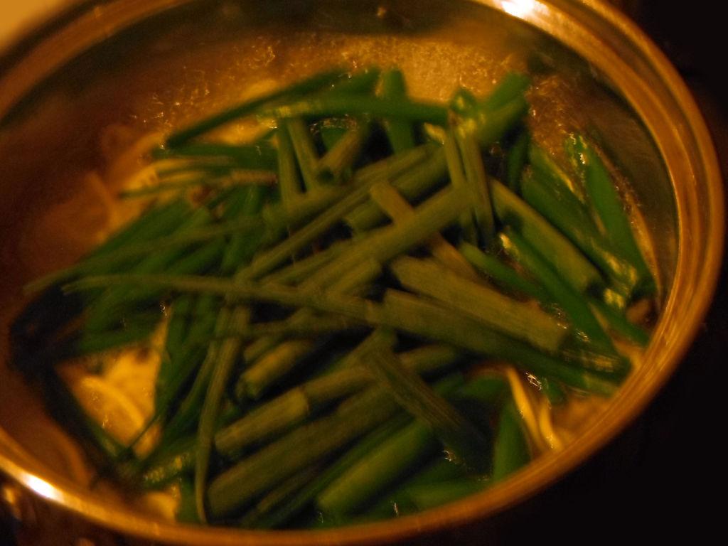 ねぎの葉先を入れた鍋