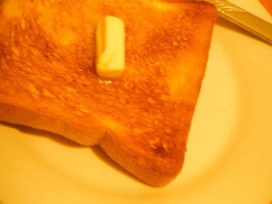 バター路落としたトースト