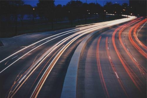 長い道路の画像