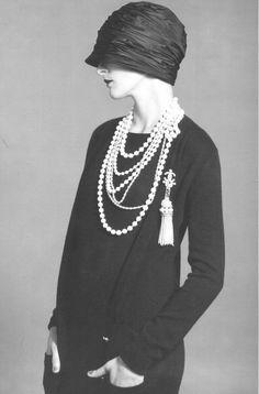 シャネルのパールネックレス:1920年代