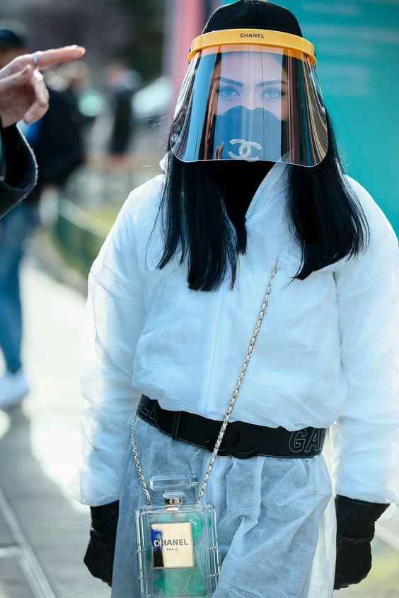 シャネルのマスクファッション