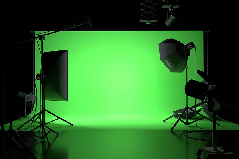 テレビ会議の背景に、クロマキー合成用スクリーン
