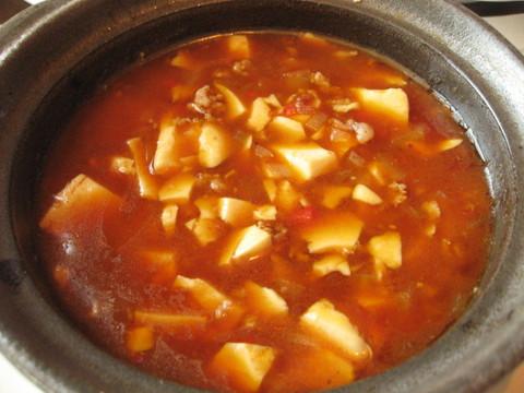 豆腐のトムヤンクン風味 土鍋仕立て