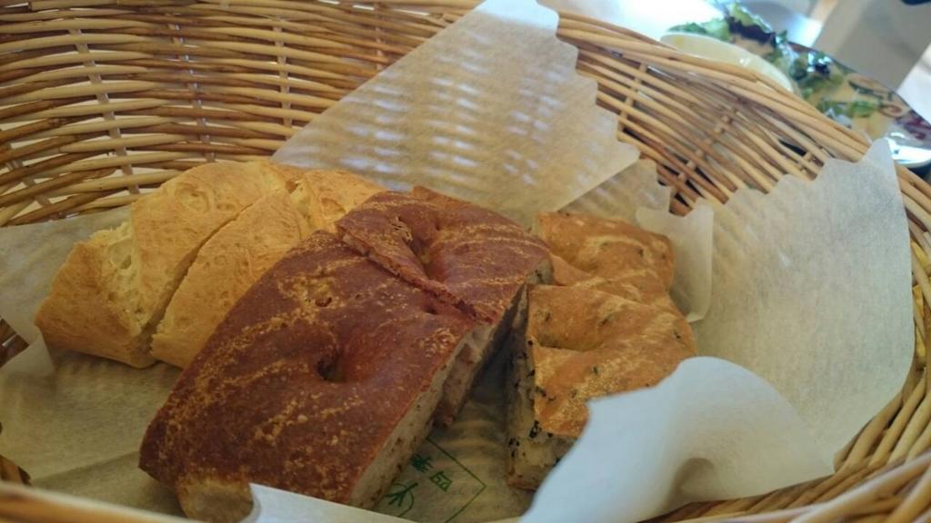 プレーゴ葉山の焼き立てパン