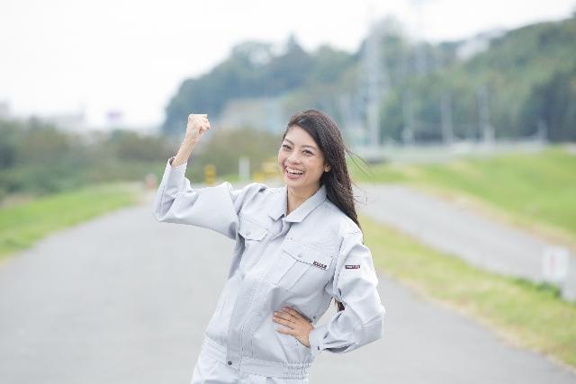 工場勤務の女性