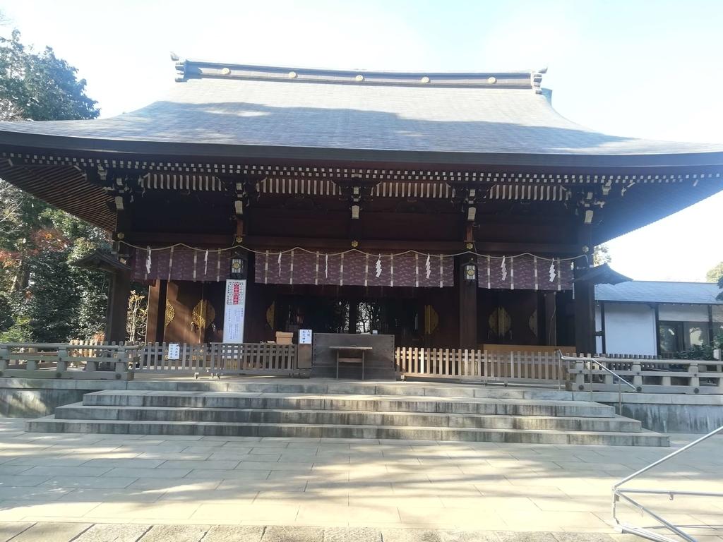 喜多見の氷川神社の境内