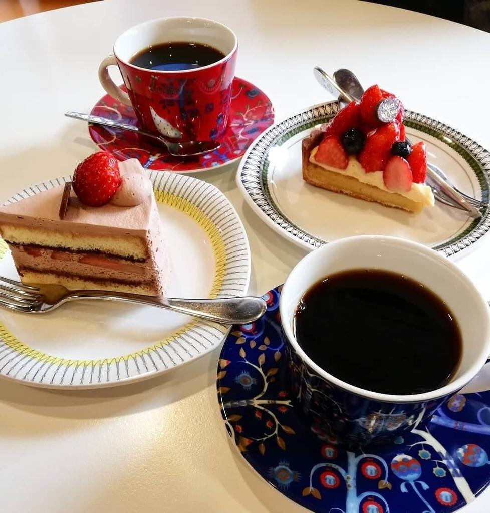 堀口珈琲のケーキとコーヒー