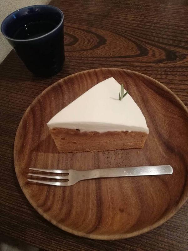 ヨウケル舎のキャロットケーキ