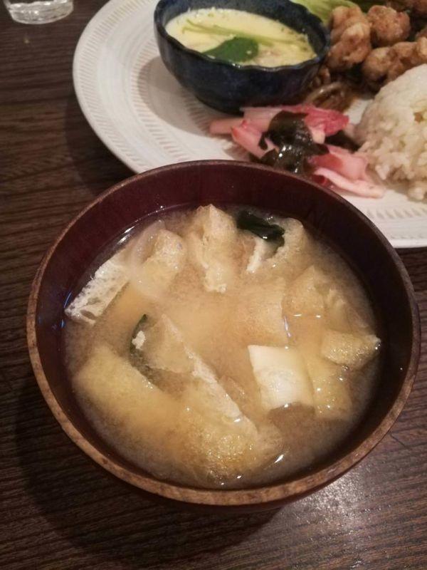 ヨウケル舎の味噌汁