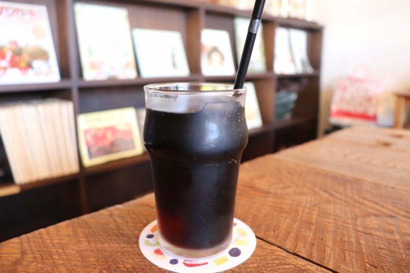 手紙舎つつじヶ丘本店の水出しアイスコーヒー