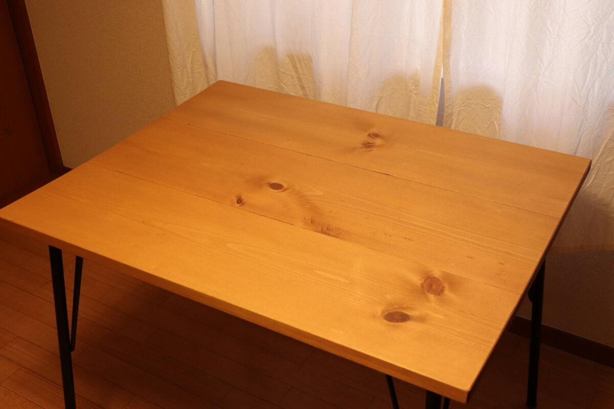 Creemaで買ったカタチファクトリーさんのダイニングテーブル