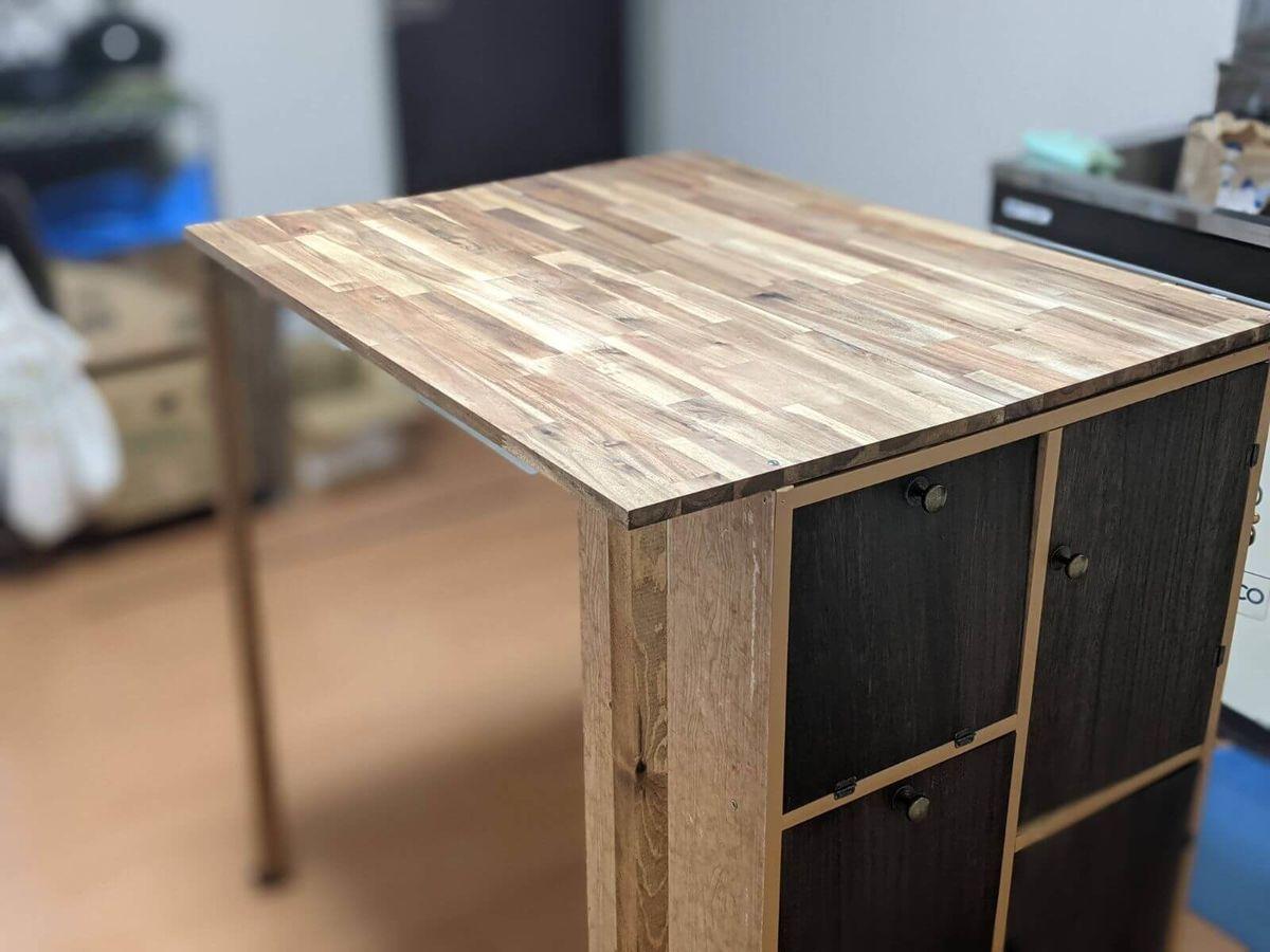 DIYで作ったダイニングテーブル