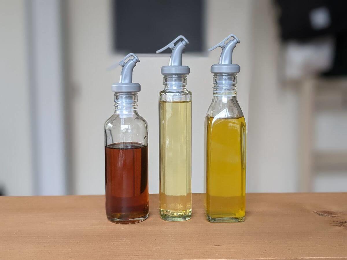 ガラス瓶のオイル容器