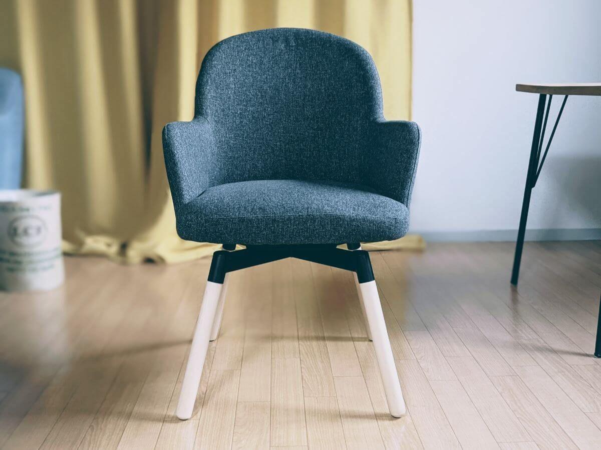 IKEAのイス「JANOLOF ヤンオロフ」