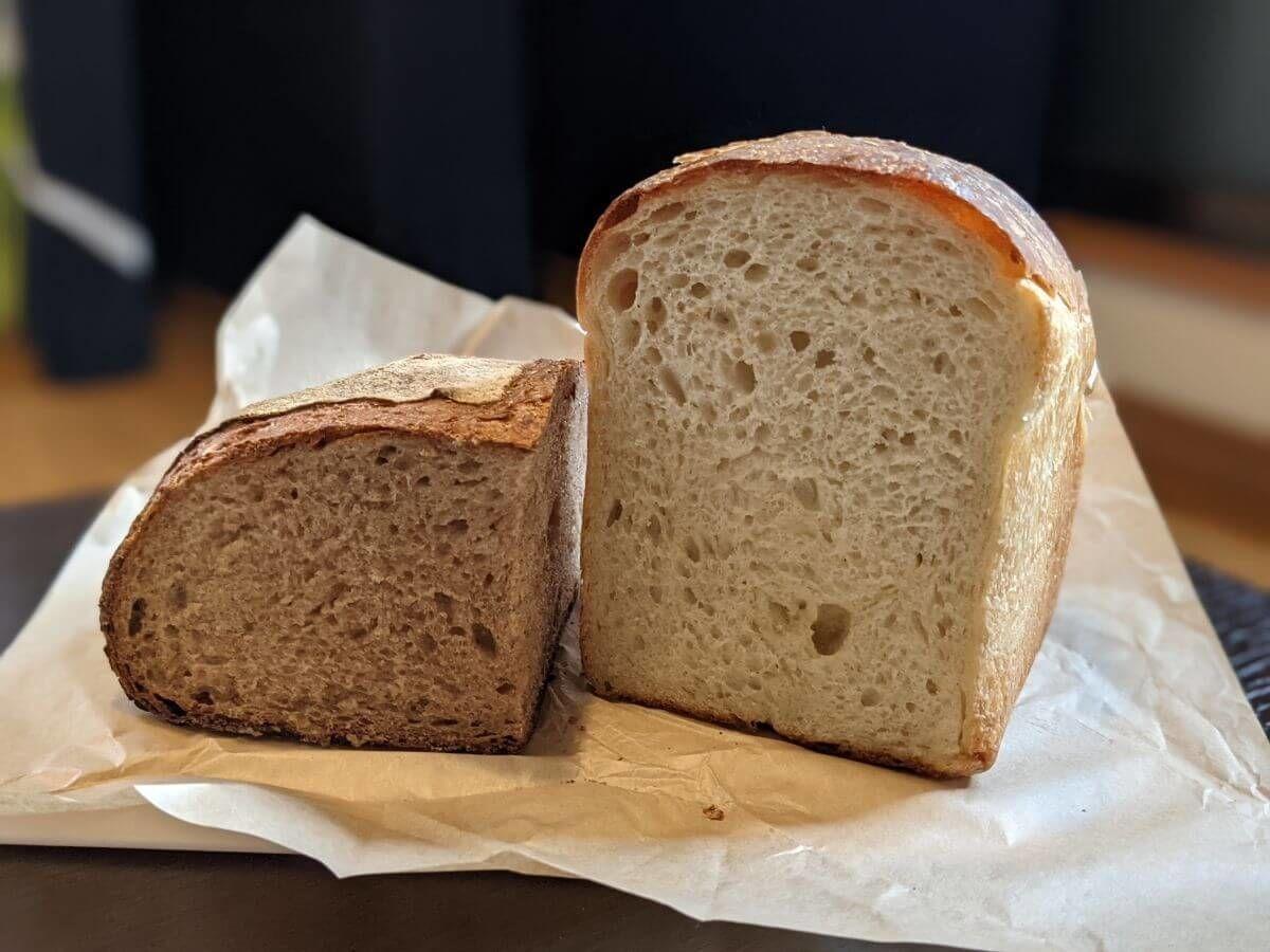 塩見のカンパーニュと食パン