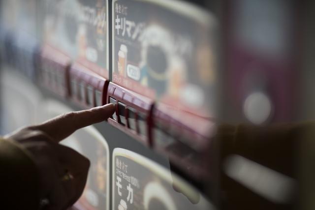 飲料自販機を利用する人の法則について考えてみた