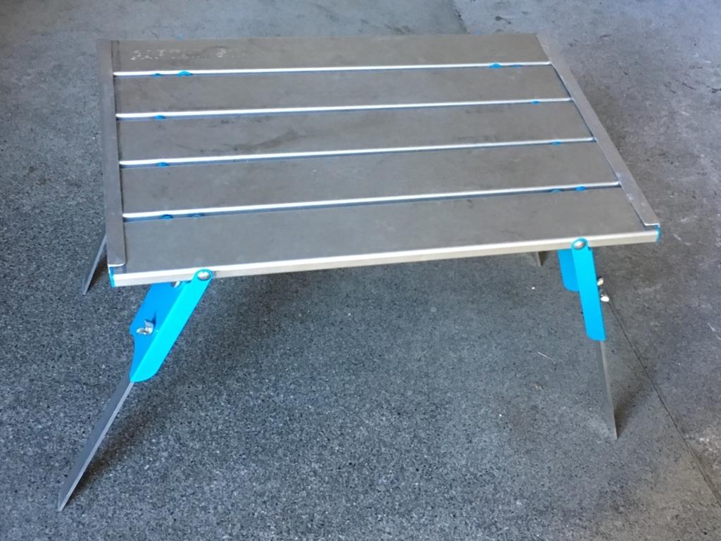 キャプテンスタッグのアルミロールテーブル DIYで高く強くする