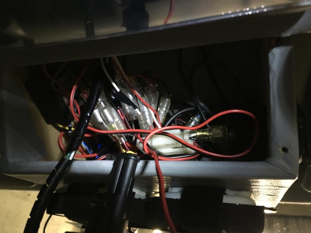 オーバーヘッドコンソール裏の配線たち(Arduinoを使ったモニター)