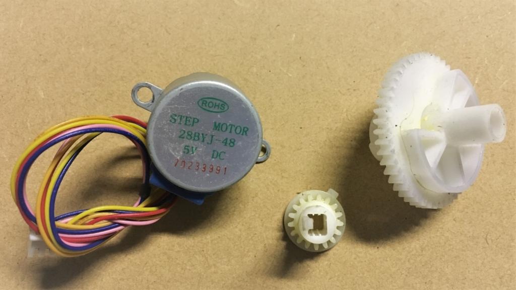 ステップモーター28BYJ-48に合うギヤを、廃品プリンターからリサイクル