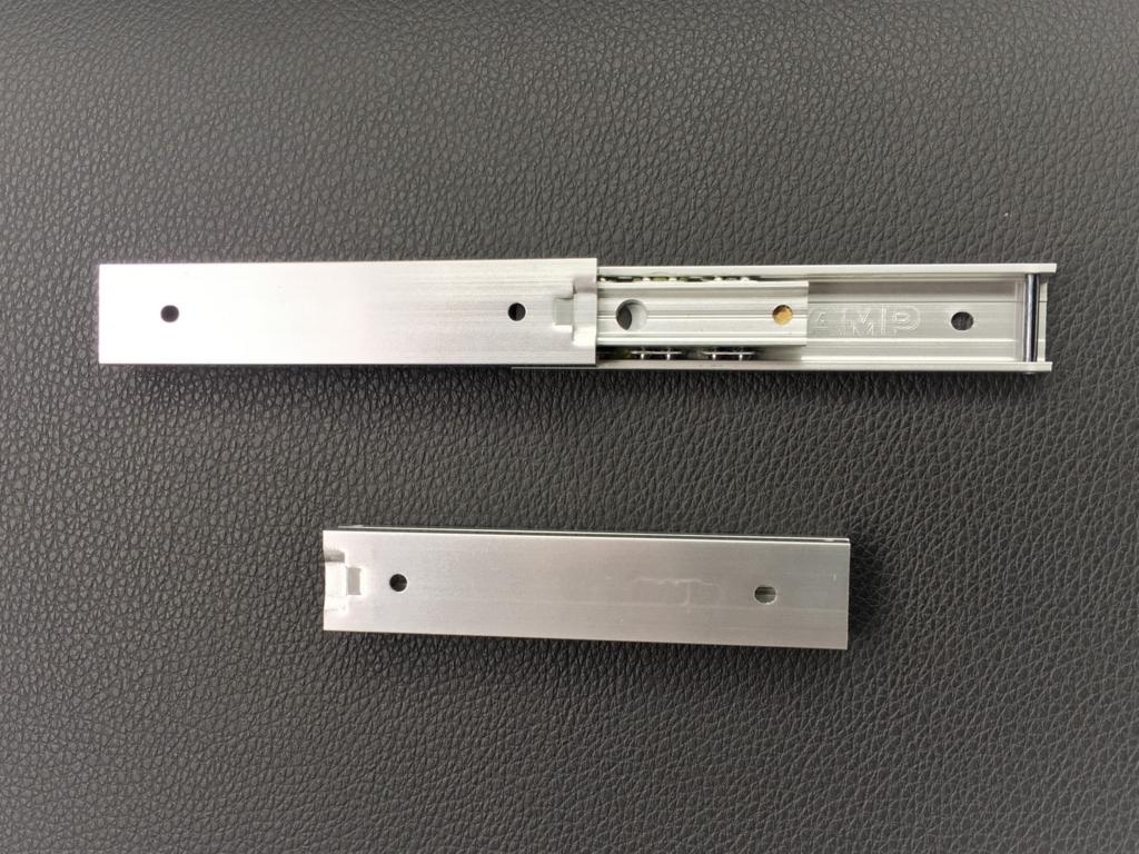 小さなスライド構造DIYに最適な約8cm長のスライドレール