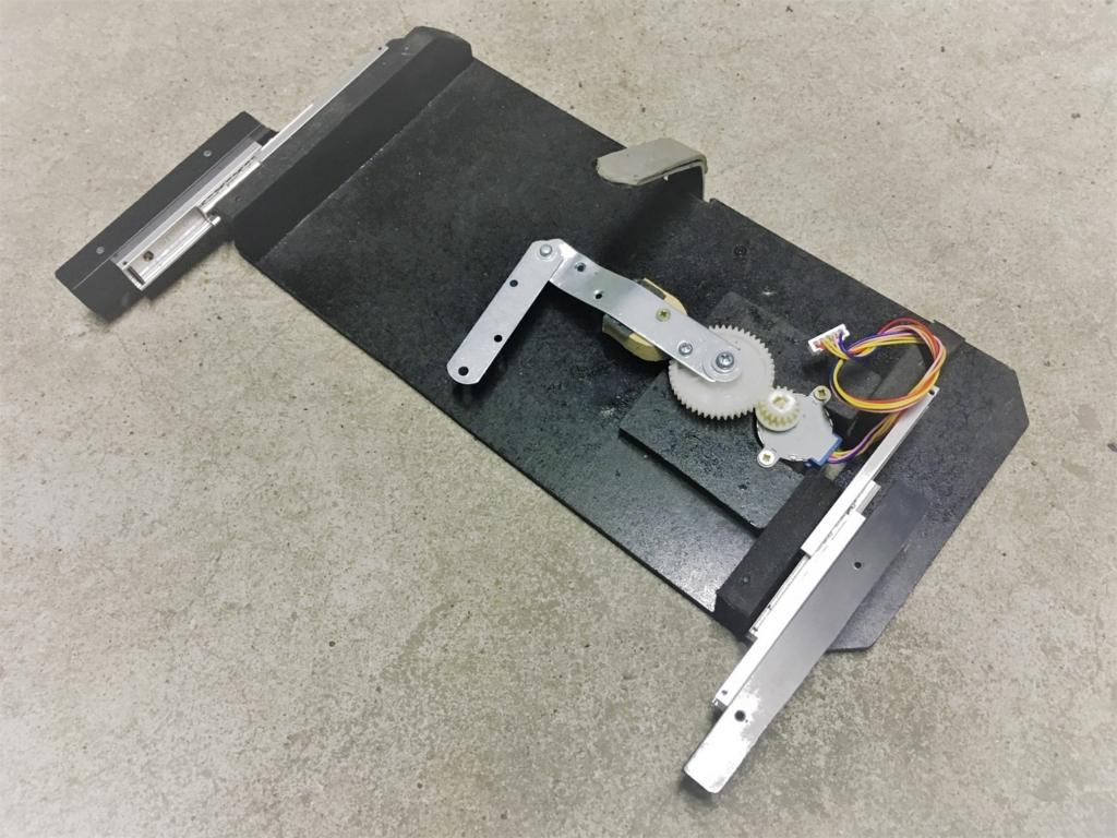 ステップモーターで開閉する機構。電動スライド開閉式テーブルの自作