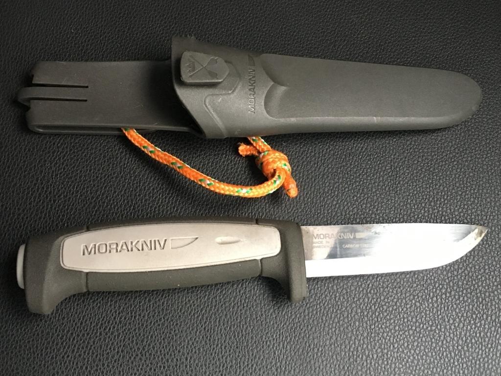 薪をつくるのに適したナイフ