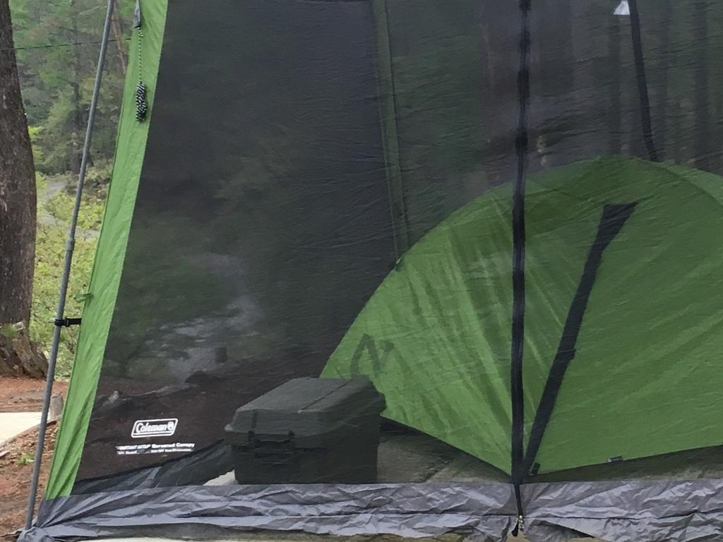キャンプに似合うケース