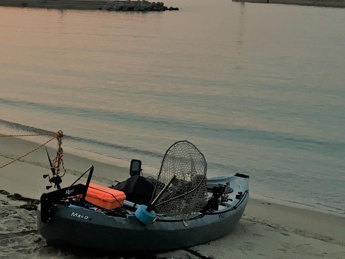 日の出と共にフィッシングカヤックを漕ぎだす