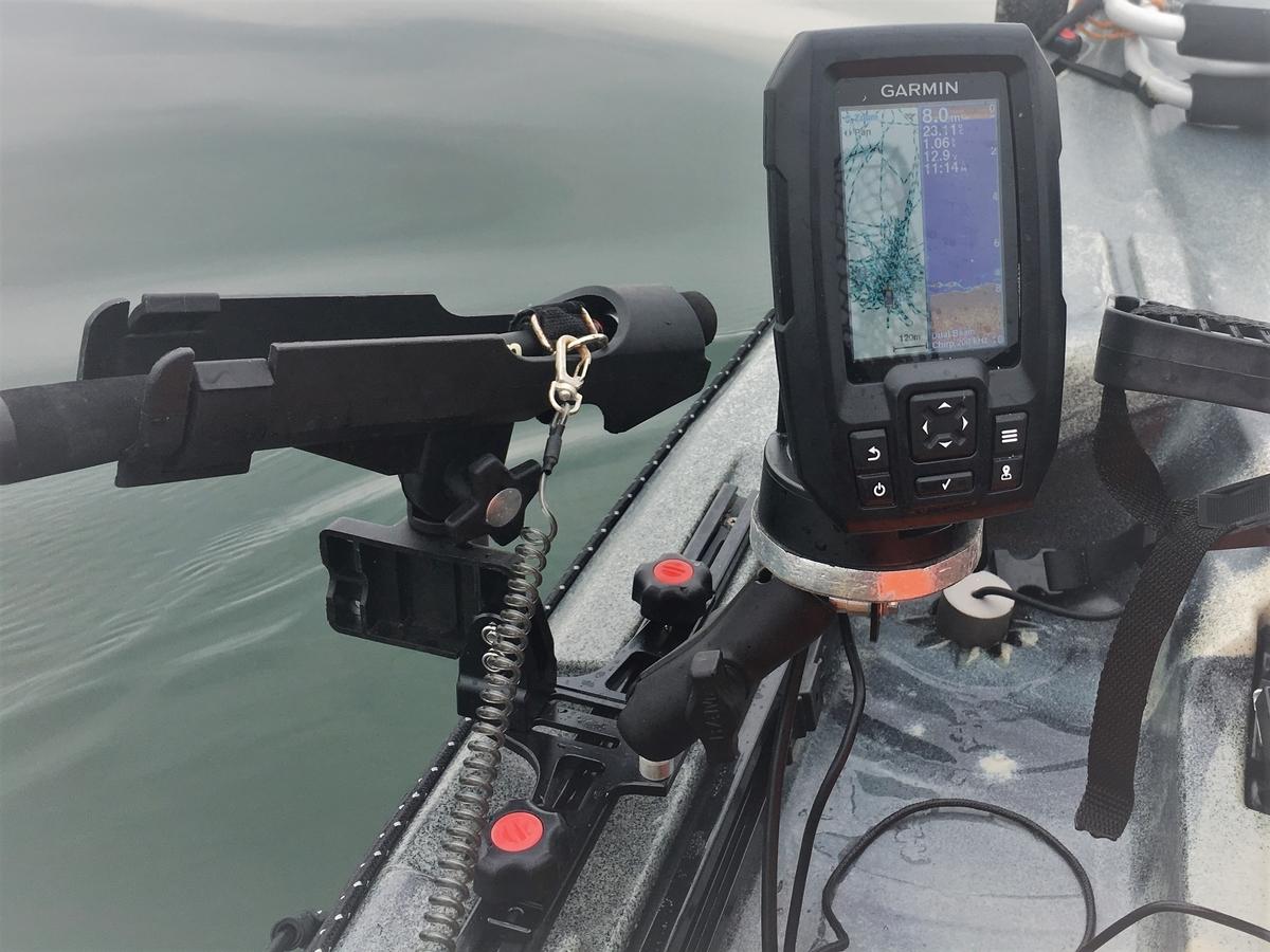 カヤック用の半自作ロッドホルダー 兼 魚探ホルダー
