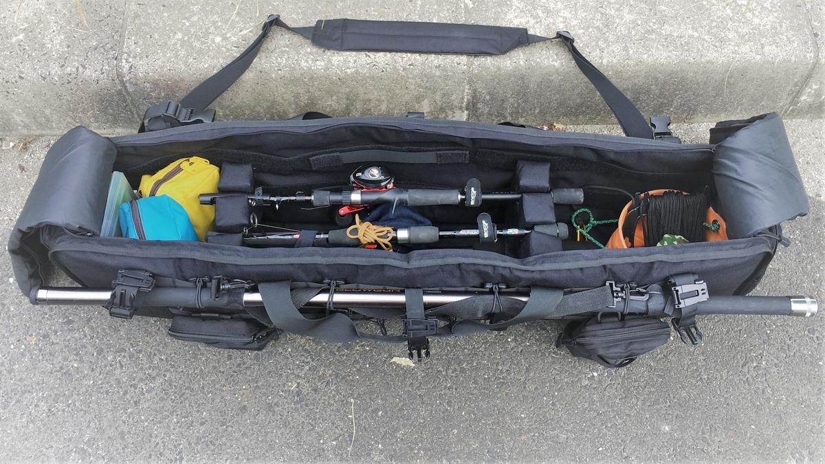 釣り竿3本を収納するロッドホルダー