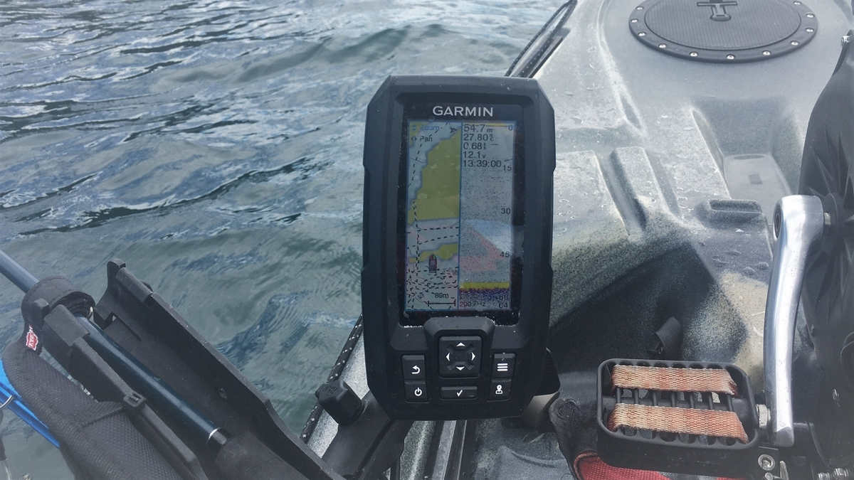 ガーミンの魚探ストライカープラス4cv