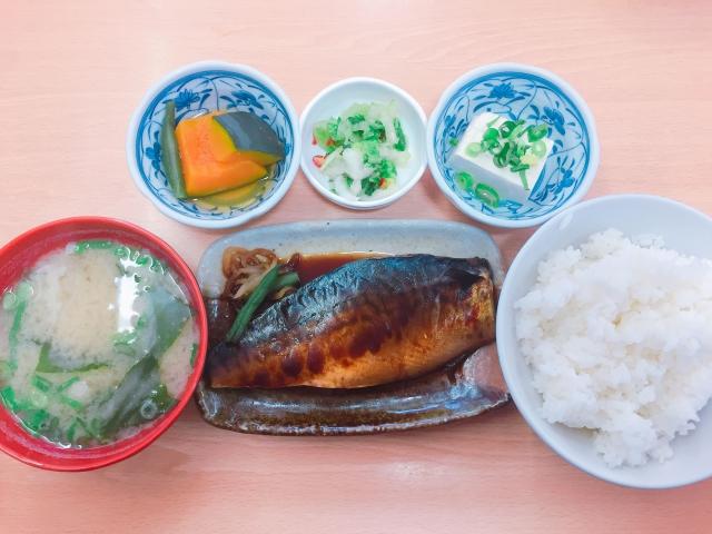 大栄食堂 梅田_ランチタイム_煮サバ定食_820円 _