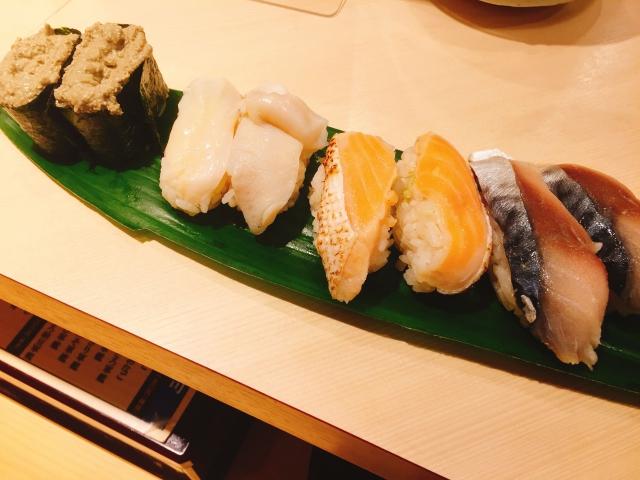 魚がし日本一 新宿西口店_ランチタイム_シメサバ とろサーモン カニ味噌 つぶ貝 _
