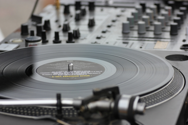 ポップソングとは何か?なぜ90年代のような「いい曲」は作られなくなったのか?