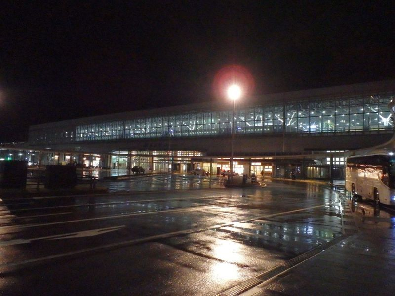 1月3日早朝の富山駅前