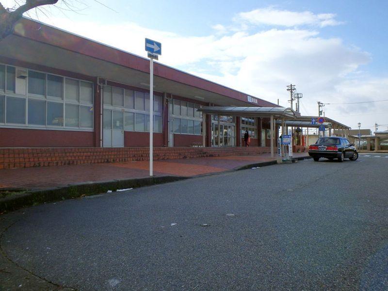 表の滑川駅前