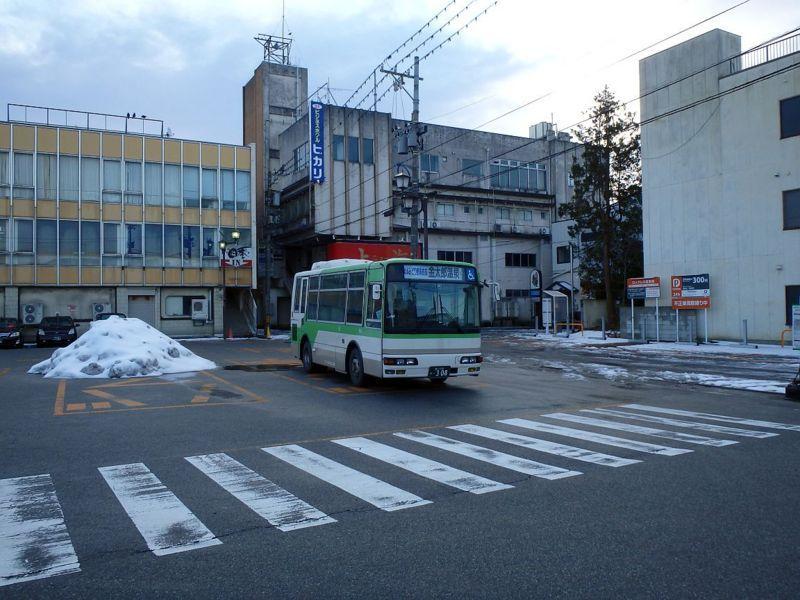 電鉄黒部駅前にて