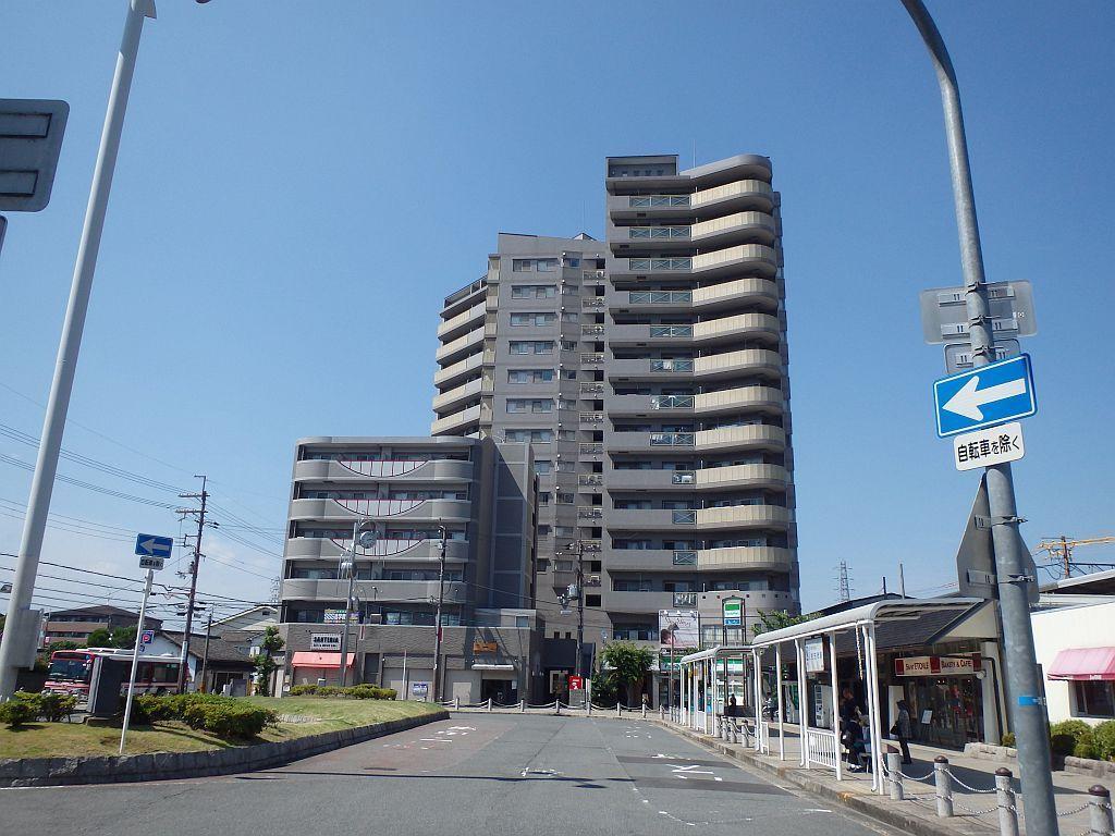 津田駅前の風景